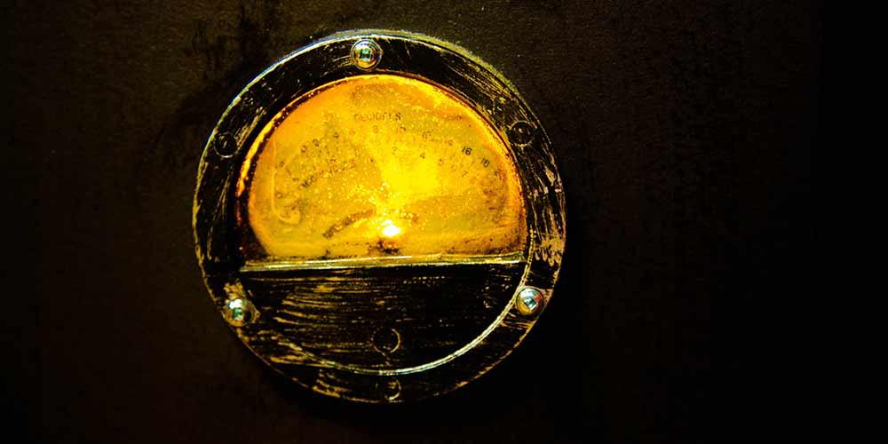 Yellow meter in The Antidote escape room at Locktopia Houston